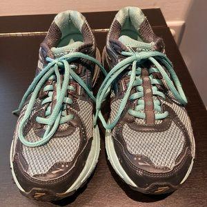 Brooks ASR sneakers